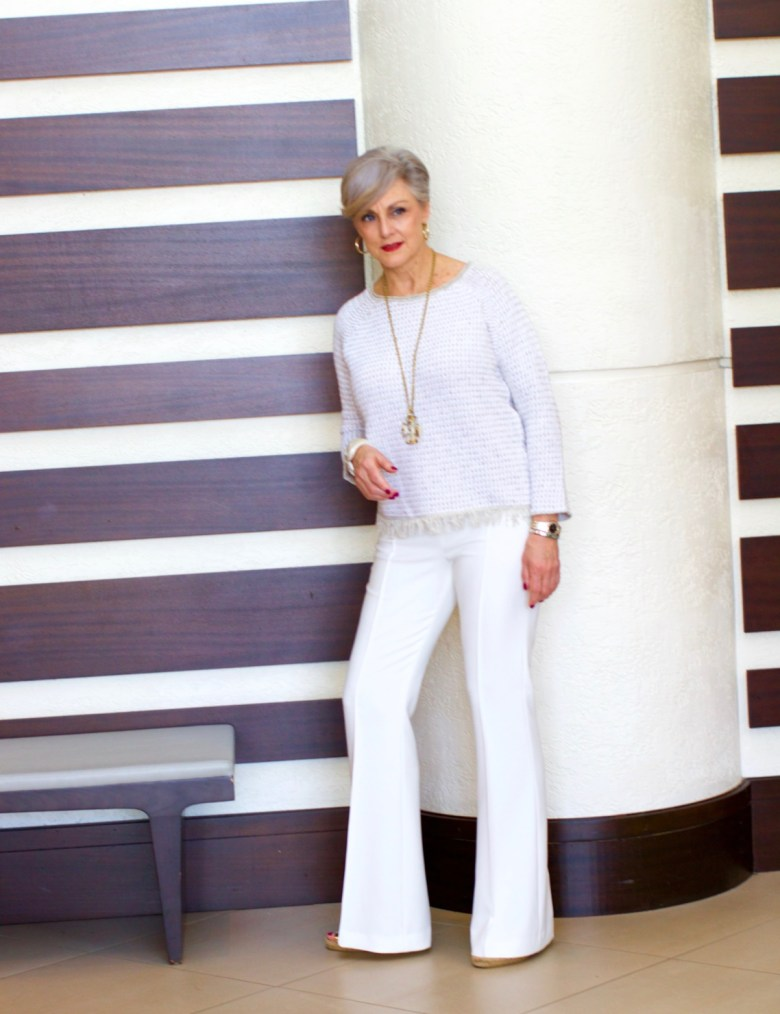 3 ways to wear 1 white suit