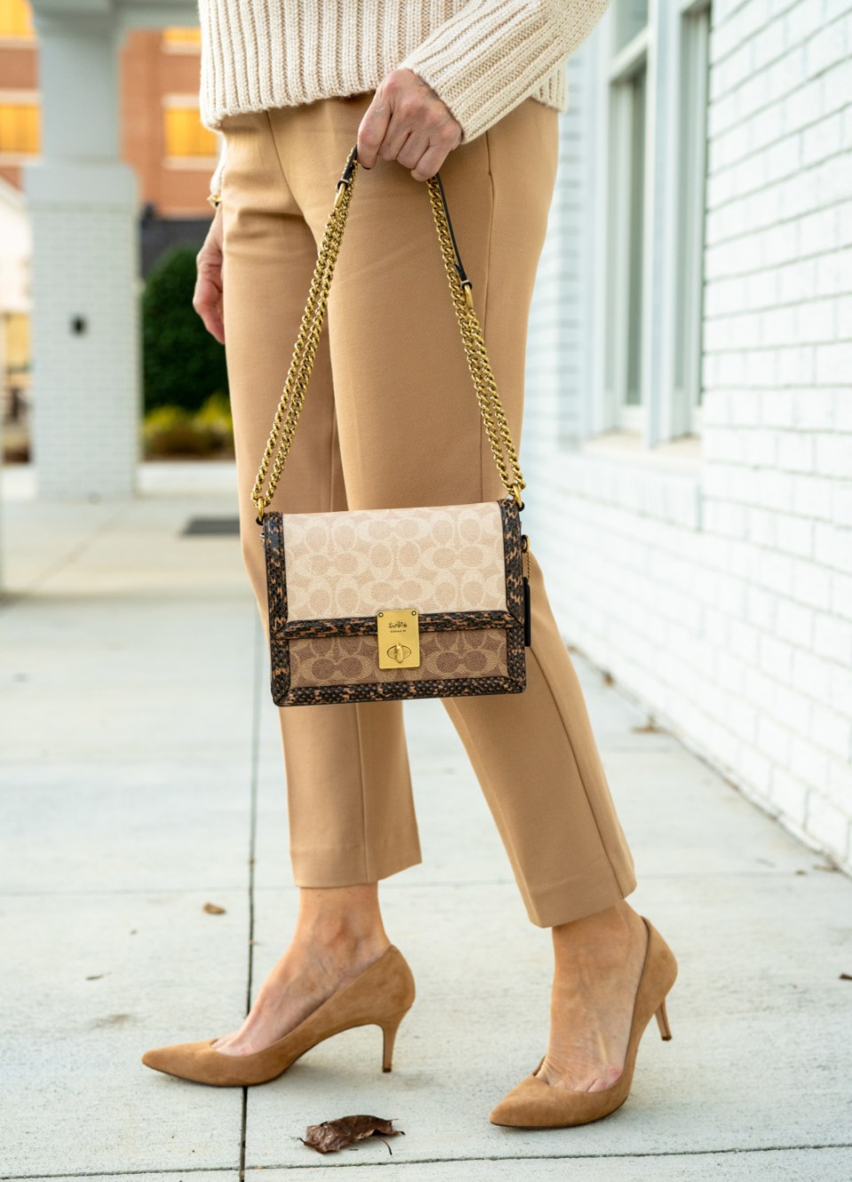 how to wear head to toe neutrals