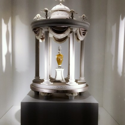 "Miss Dior display cabinet, inspired by the""Temple of Love"" at the Petit Trianon in Versailles, 1950"