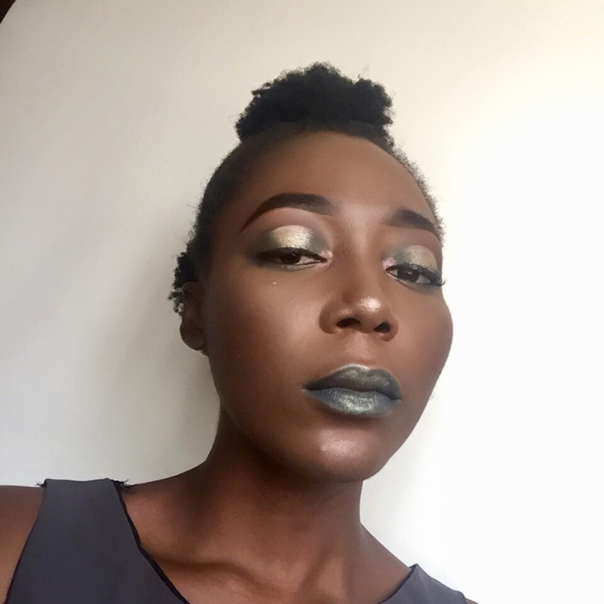 Halo cut crease eyeshadow using Iconic Division palette