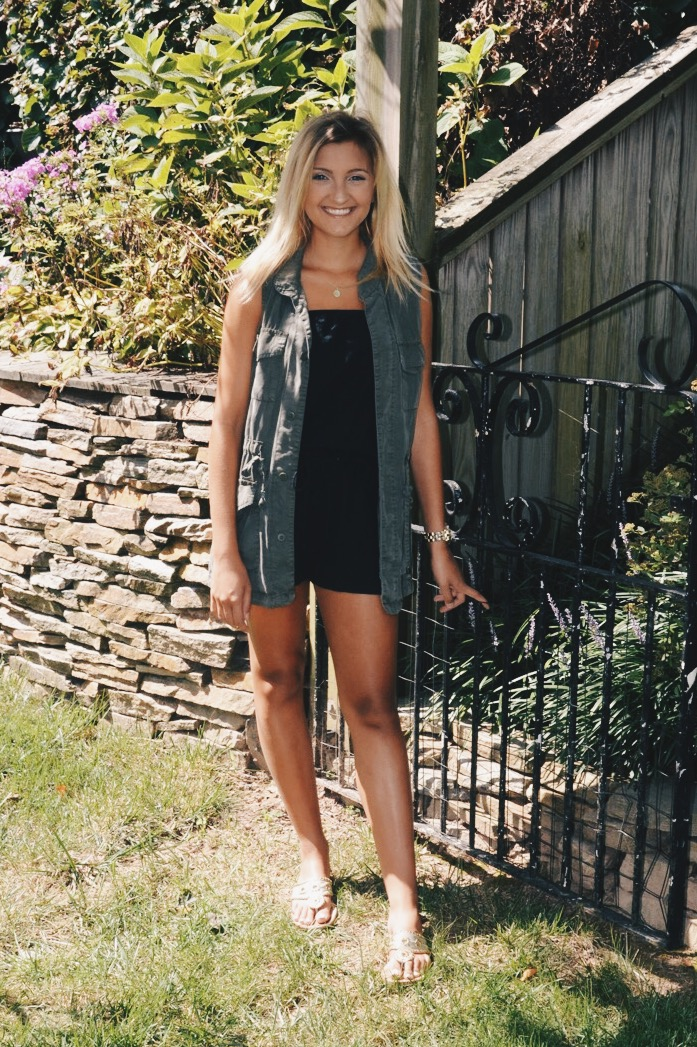 9ed66012efd 15 Back To School Outfit Ideas – Styled by McKenz
