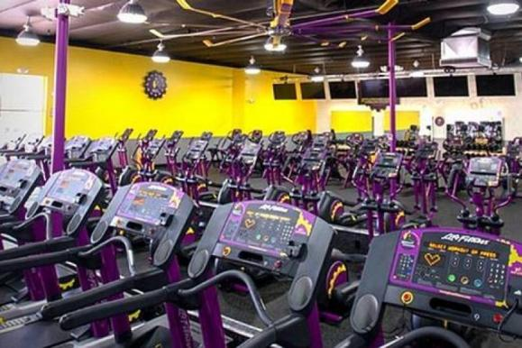 Huge, modern, state-of-the art gyms with quality equipment.
