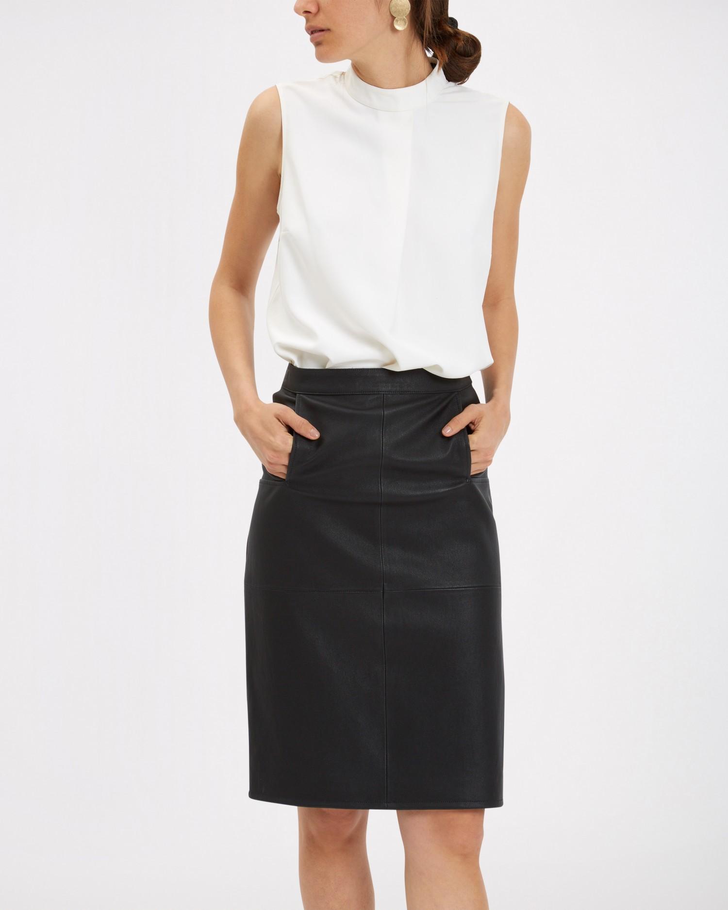Jaeger black leather skirt