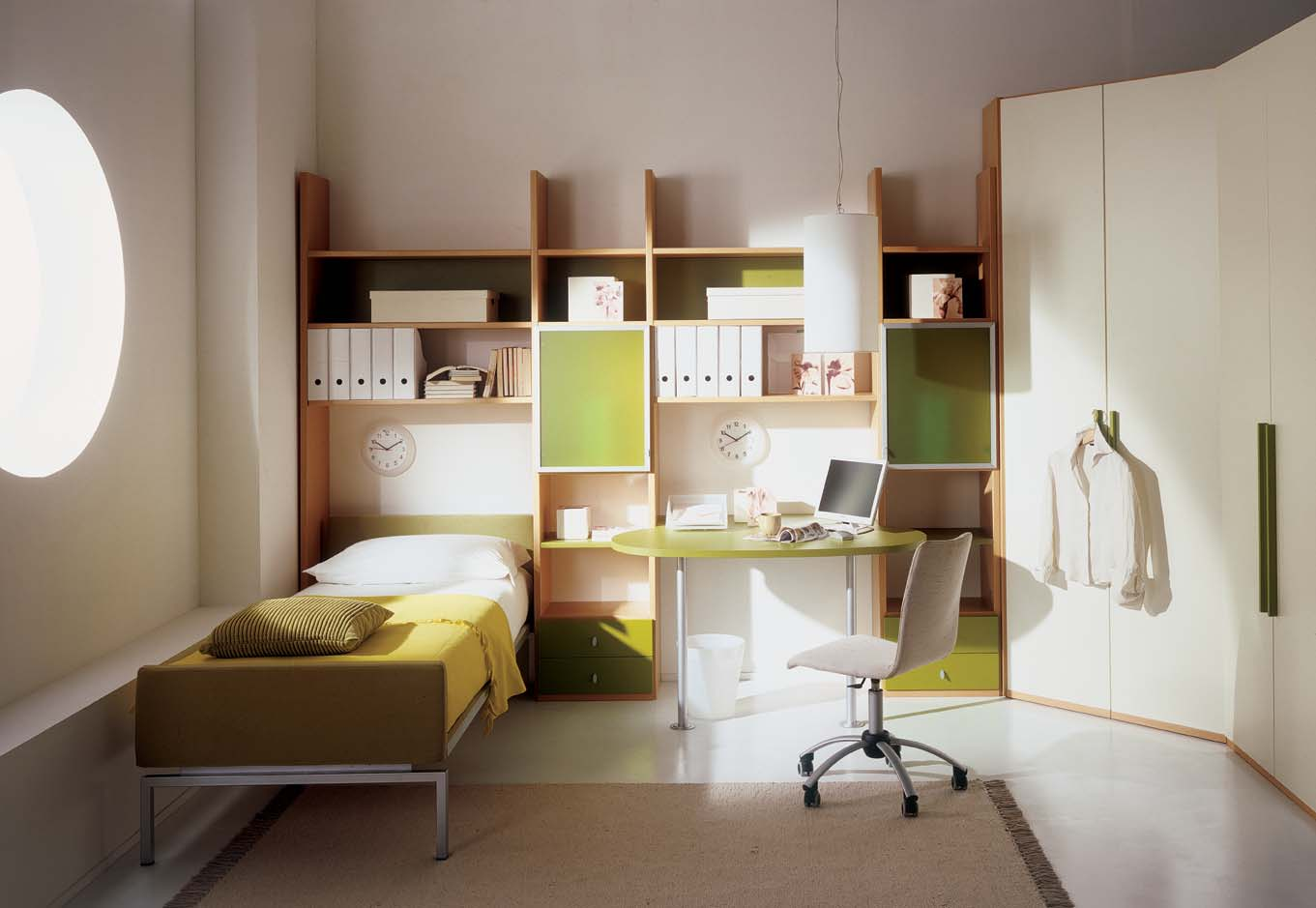 Kids Bedroom With Study Table