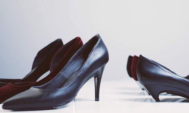 Nuevo desarrollo de zapatos con tacón ajustable automático
