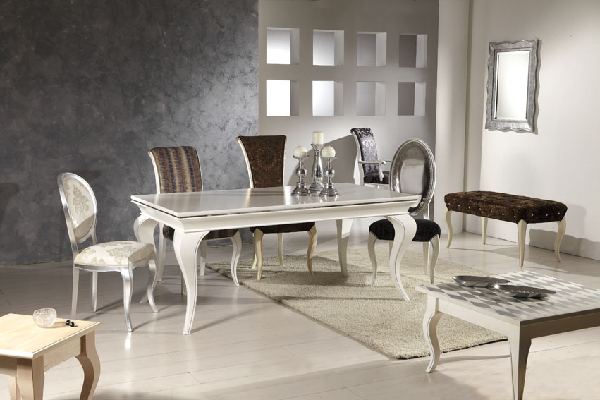 Un tavolo dallo stile contemporaneo che si adatta bene a ogni ambiente. Collezione Modelli Deco Sedie Veneto Produzione Sedie Divani Poltrone Vendita Sedie Style Italia