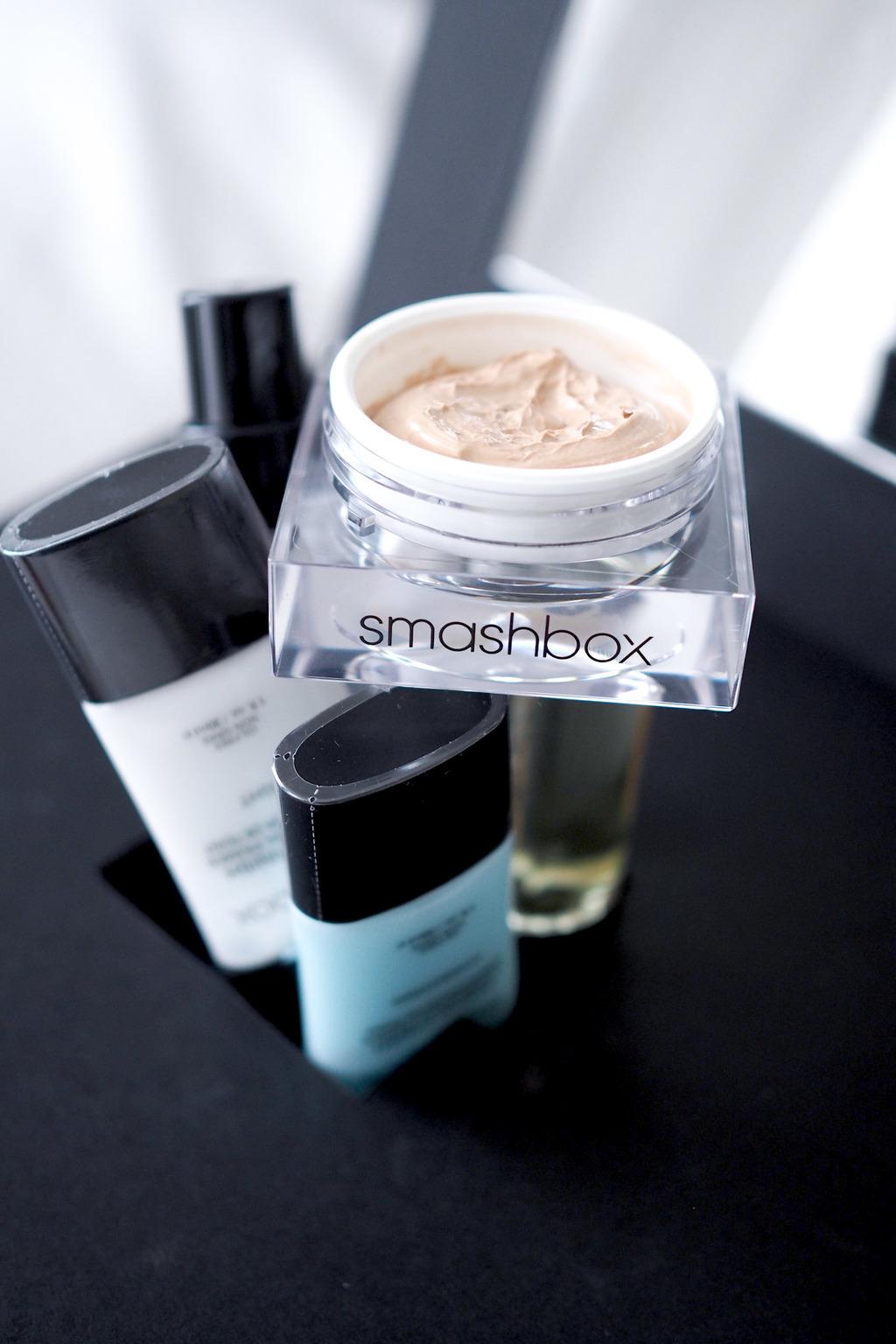 NEW & ON TRIAL: SMASHBOX PHOTO FINISH RADIANCE PRIMER