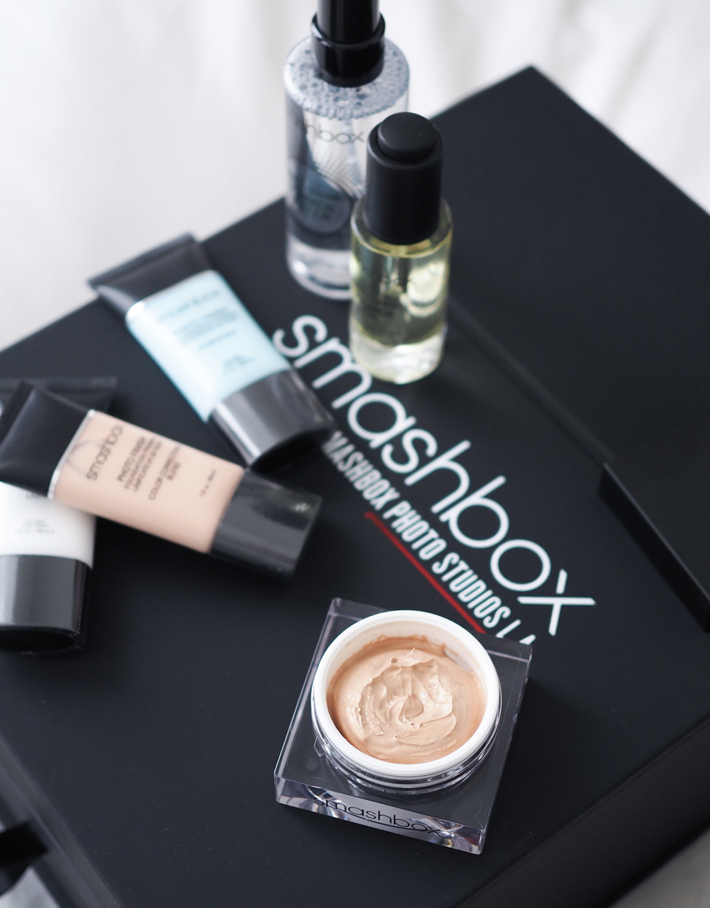 NEW & ON TRIAL: SMASHBOX PHOTO FINISH RADIANCE PRIMER