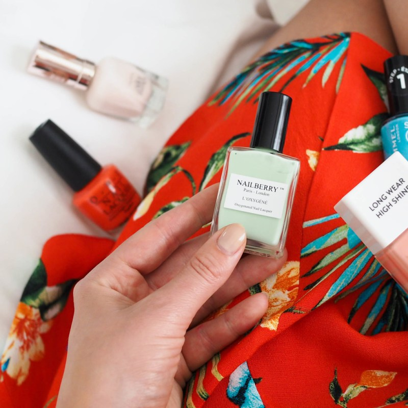 HOT SUMMER NAIL SHADES FOR HOLIDAY