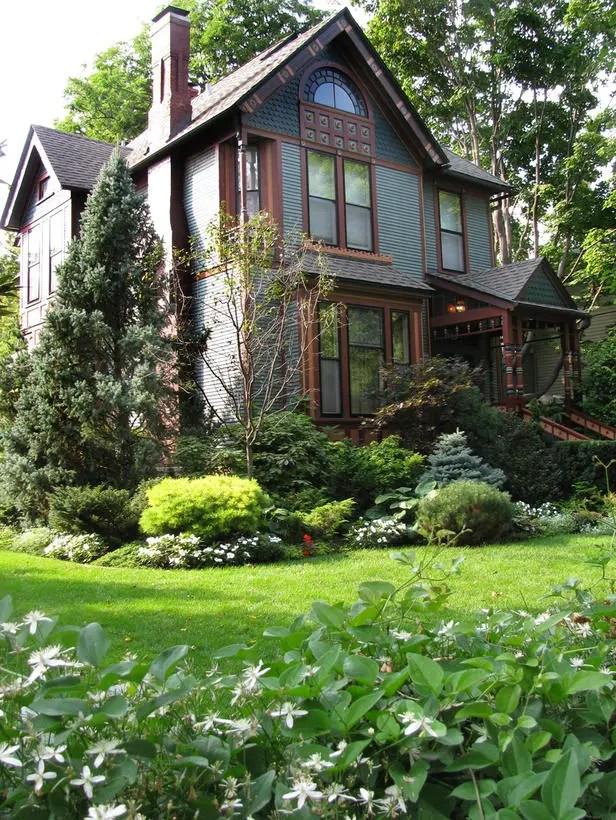 28 Beautiful Small Front Yard Garden Design Ideas on Front Yard Patio id=78442