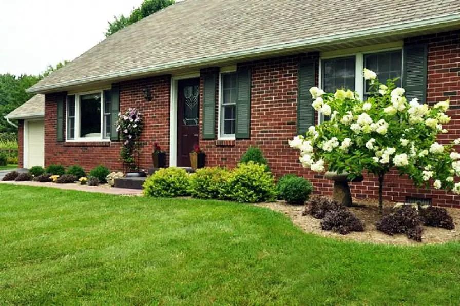 28 Beautiful Small Front Yard Garden Design Ideas - Style ... on Small Landscape Garden Design  id=26308