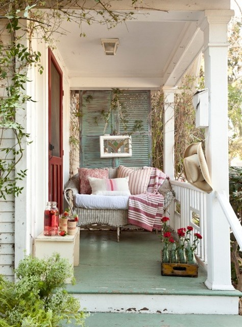 Outdoor Decor: 20 Cozy Porch Ideas to Inspire You - Style ... on Cozy Patio Ideas  id=99078