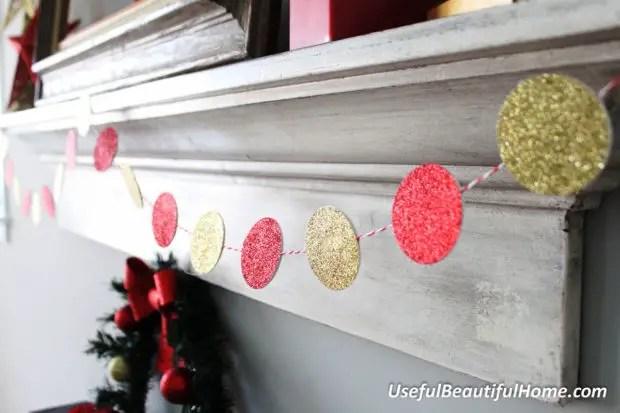 19 Festive DIY Christmas Garland Ideas