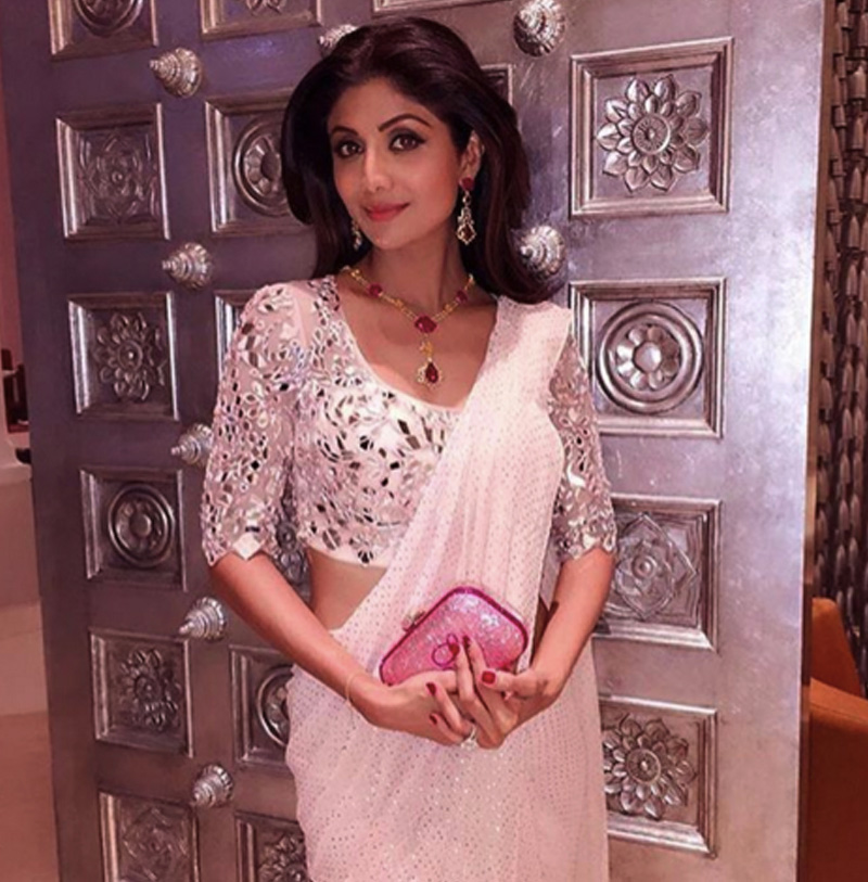 Shilpa Shetty in a Monisha Jaisingh, Farah Khan Ali and Judith Leiber. PC- TheQuint