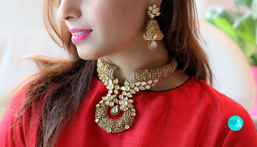 I like the gold katai work with a fuse of kundan and gold along with a finesse in the manufacturing.