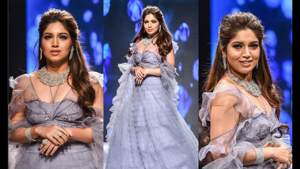 Bhumi Pednekar Walks The Ramp For Reliance Jewels In Association With Rio Tinto Adorning A Diamond Choker Set Along With A Cuff And Rings At IIJW 2017