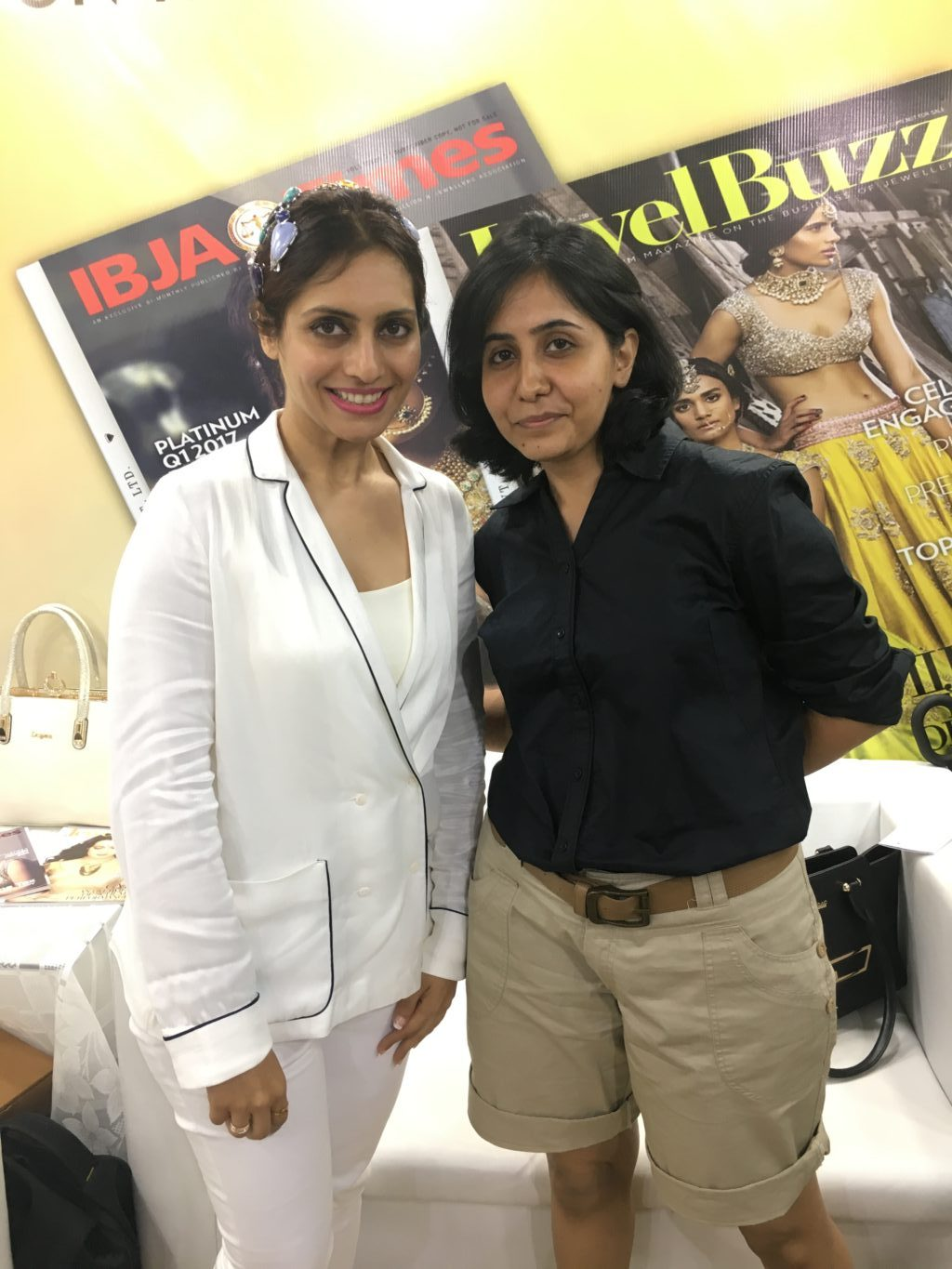 Our Click From IIJS 2017 At Jewel Buzz Booth When Karishma S Jain And I Met. Image : StylePrer