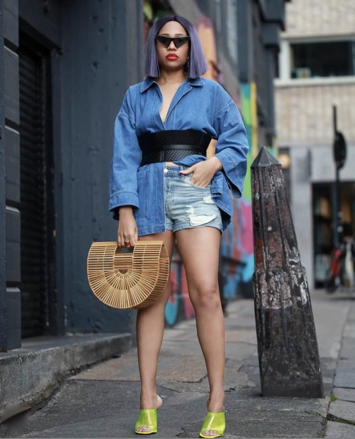 Alero buttercop oversized jeans shirt jeans shorts green mules corset waist belt