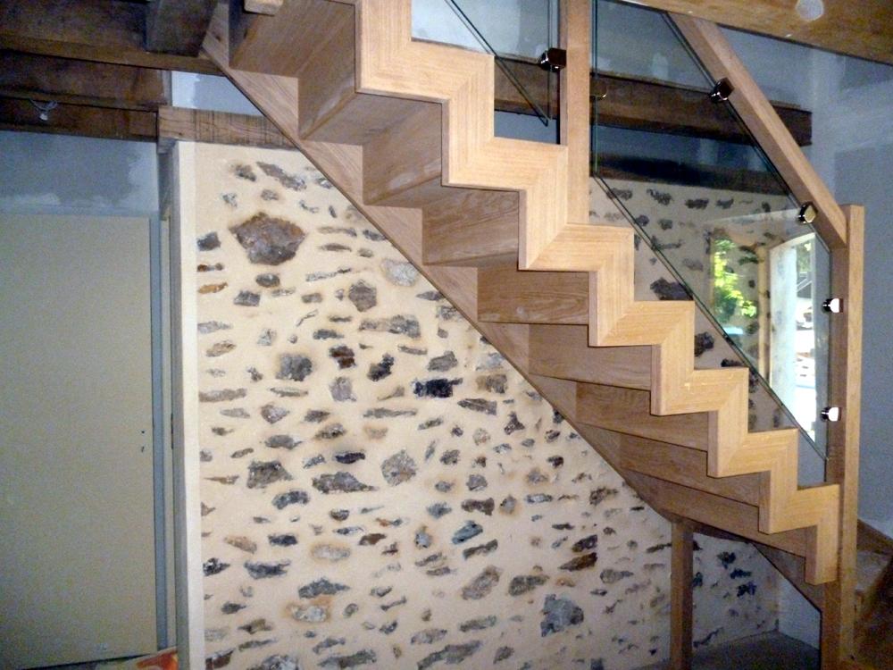 Styl'escalier : Gamme Création Escalier avec limon domino en chêne et rampe vitré