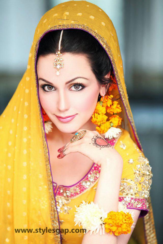 Mayun Bridals Makeup Looks Dresses Designs 2018 2019 Trends