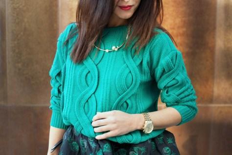look-maglione-gonna-verde-green-skin
