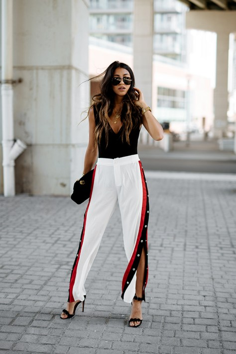 look_pantaloni_tuta_bottoni_laterali