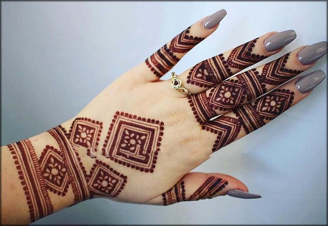 Photo by flora & fauna in this article the mehndi party is one of the most festive and exciting celebrations. Latest Pakistani Mehndi Designs 2021 For Eid And Wedding Events