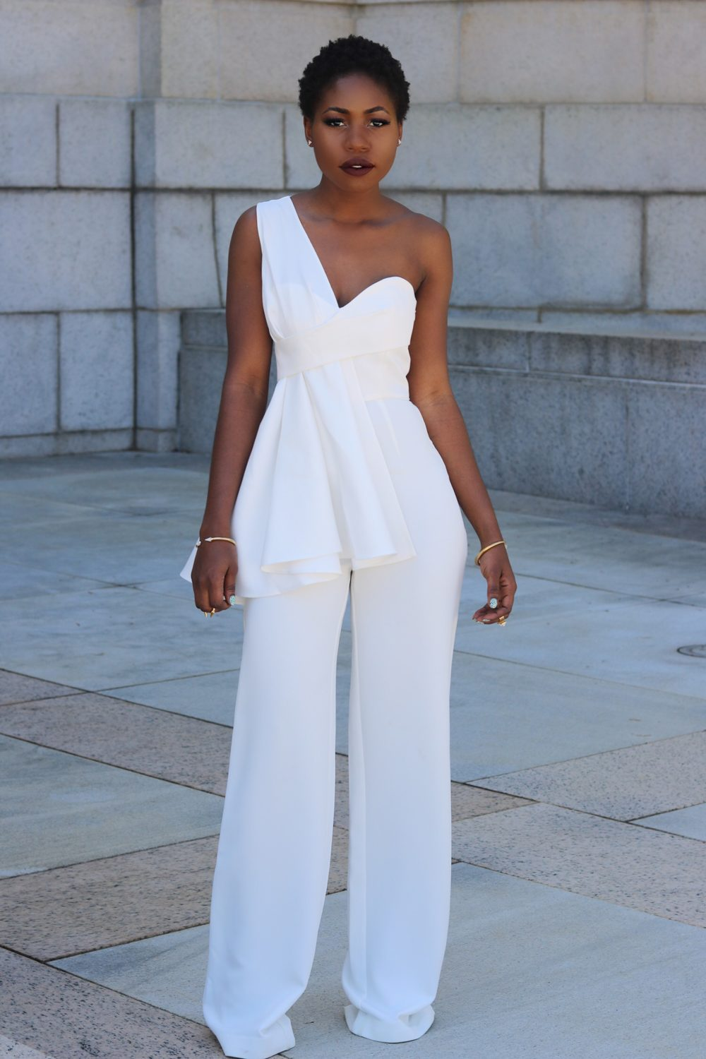 style synopsis white outfit