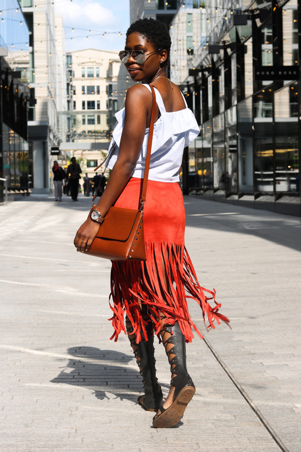 style synopsis chic in fringe
