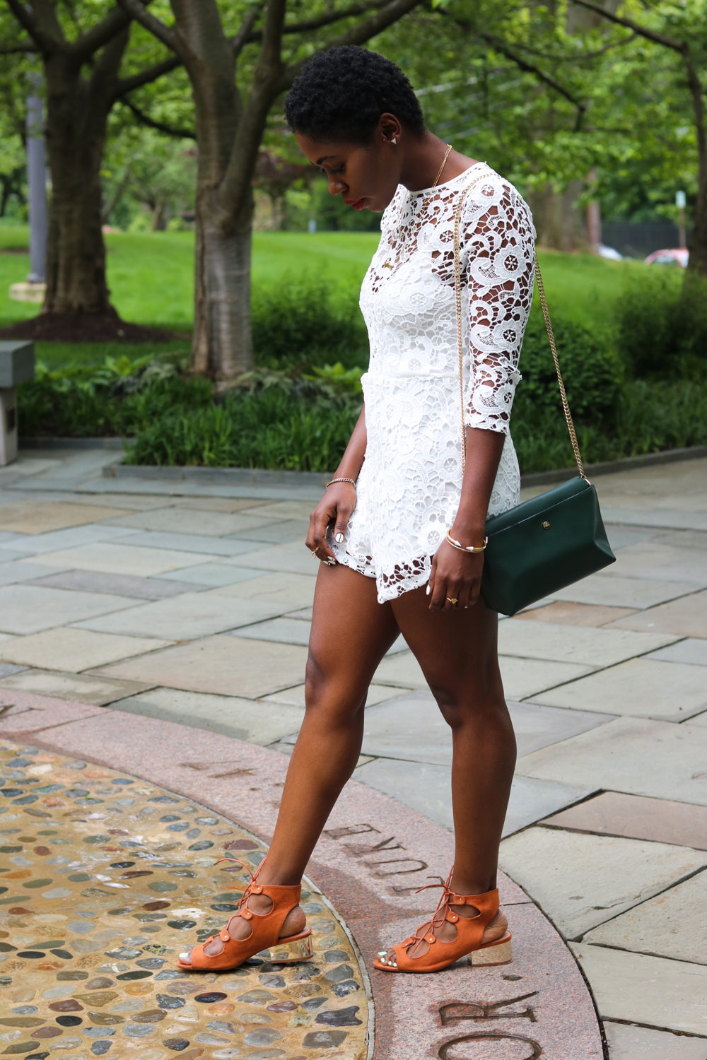 style synopsis lace spring outfits