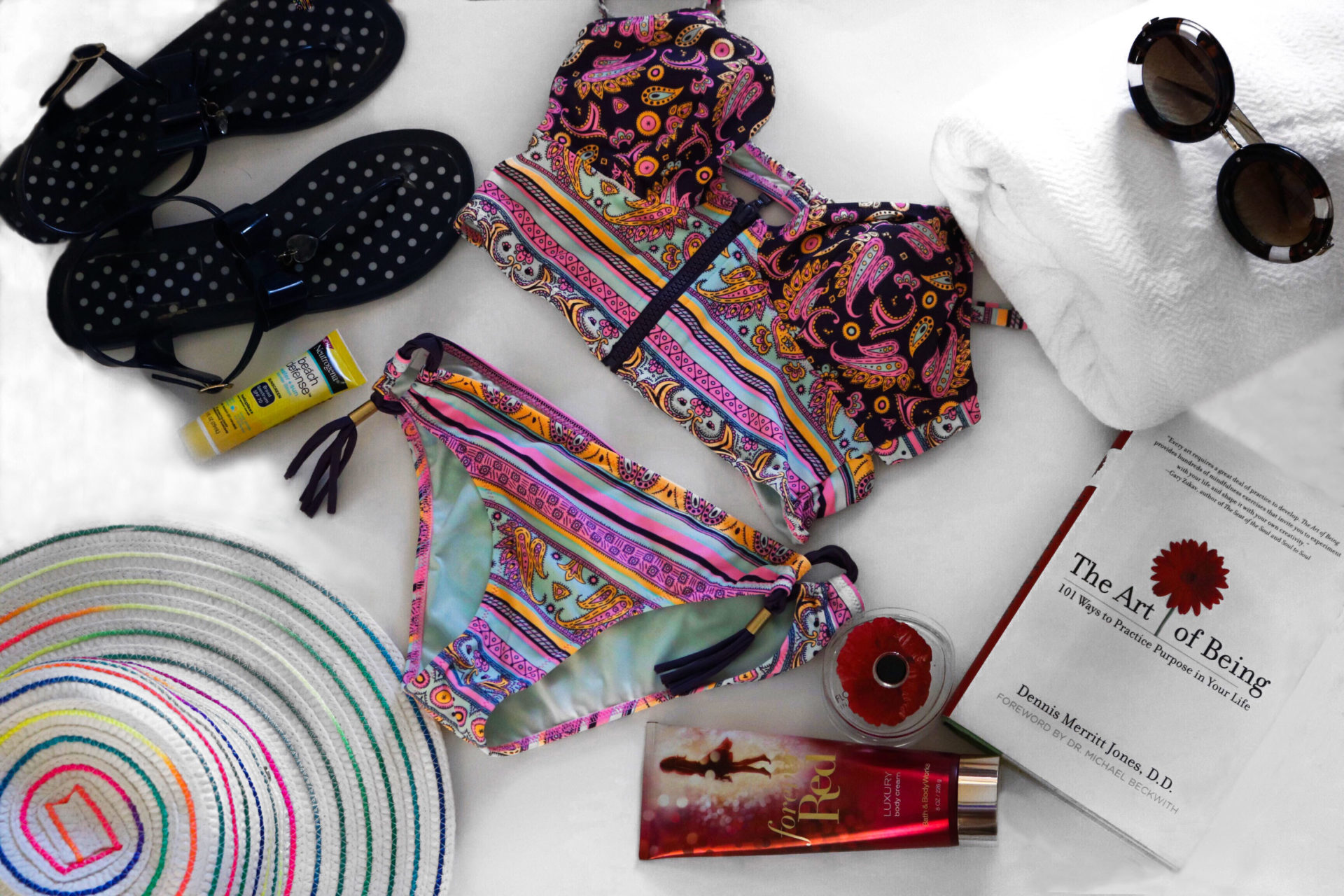 style synopsis beach must haves