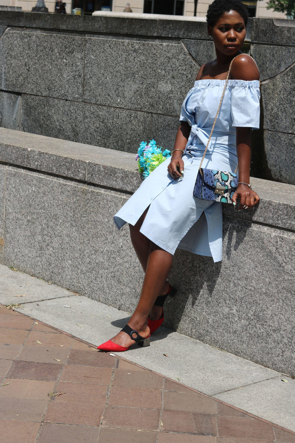 style synopsis open shoulder style