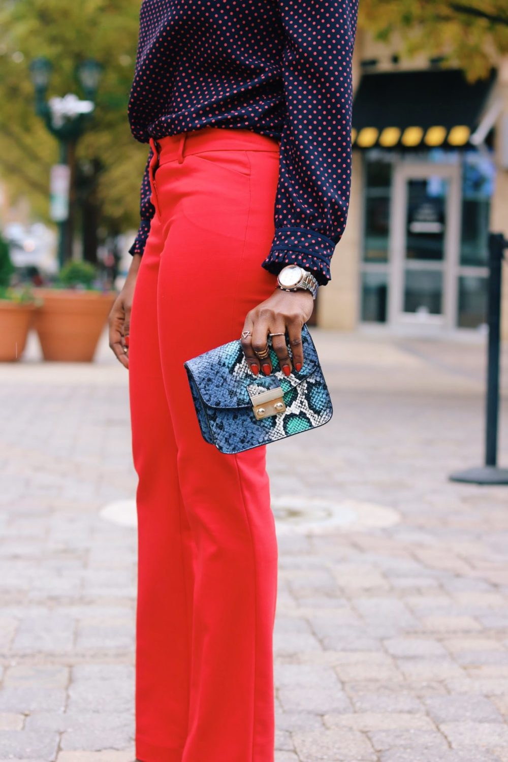 style-synopsis-snake-skin-clutch