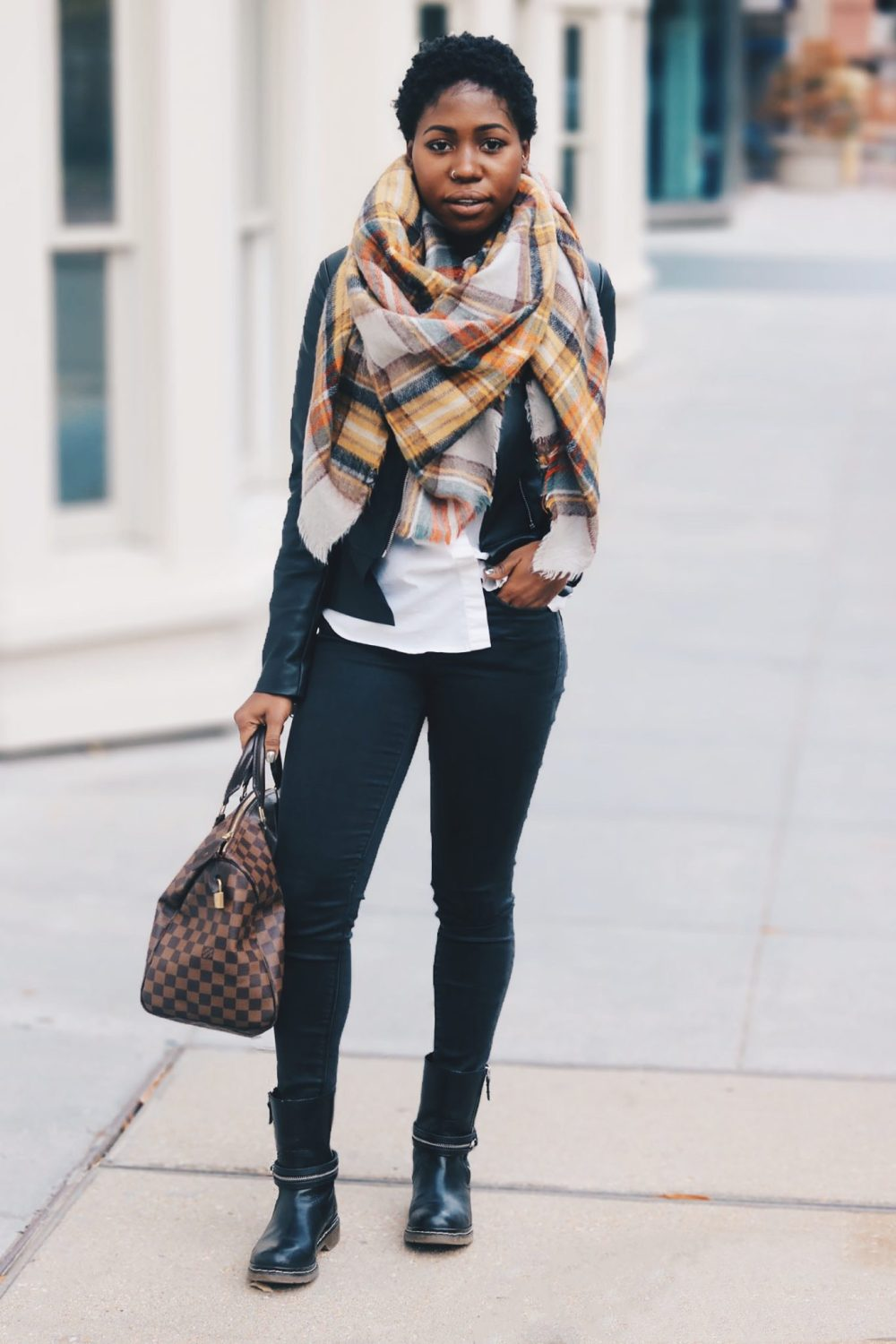 style-synopsis-leather-jeans-leather-jacket-look