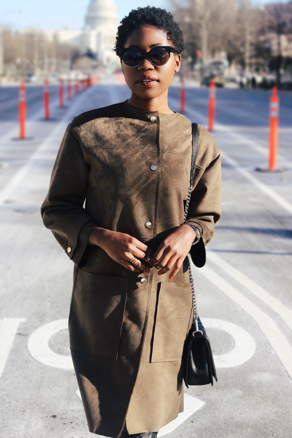 style-synopsis-military-khaki-coat-look