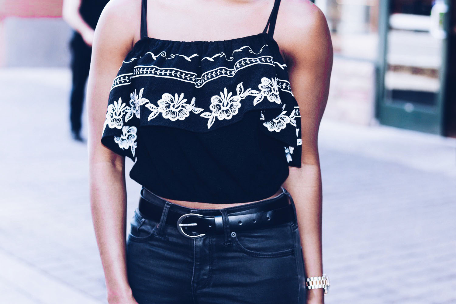 style-synopsis-embriodered-top