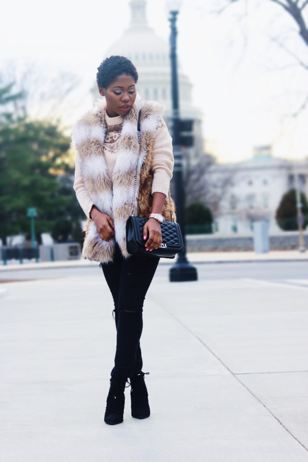 style-synopsis-fur-vest-ankle-boots-look