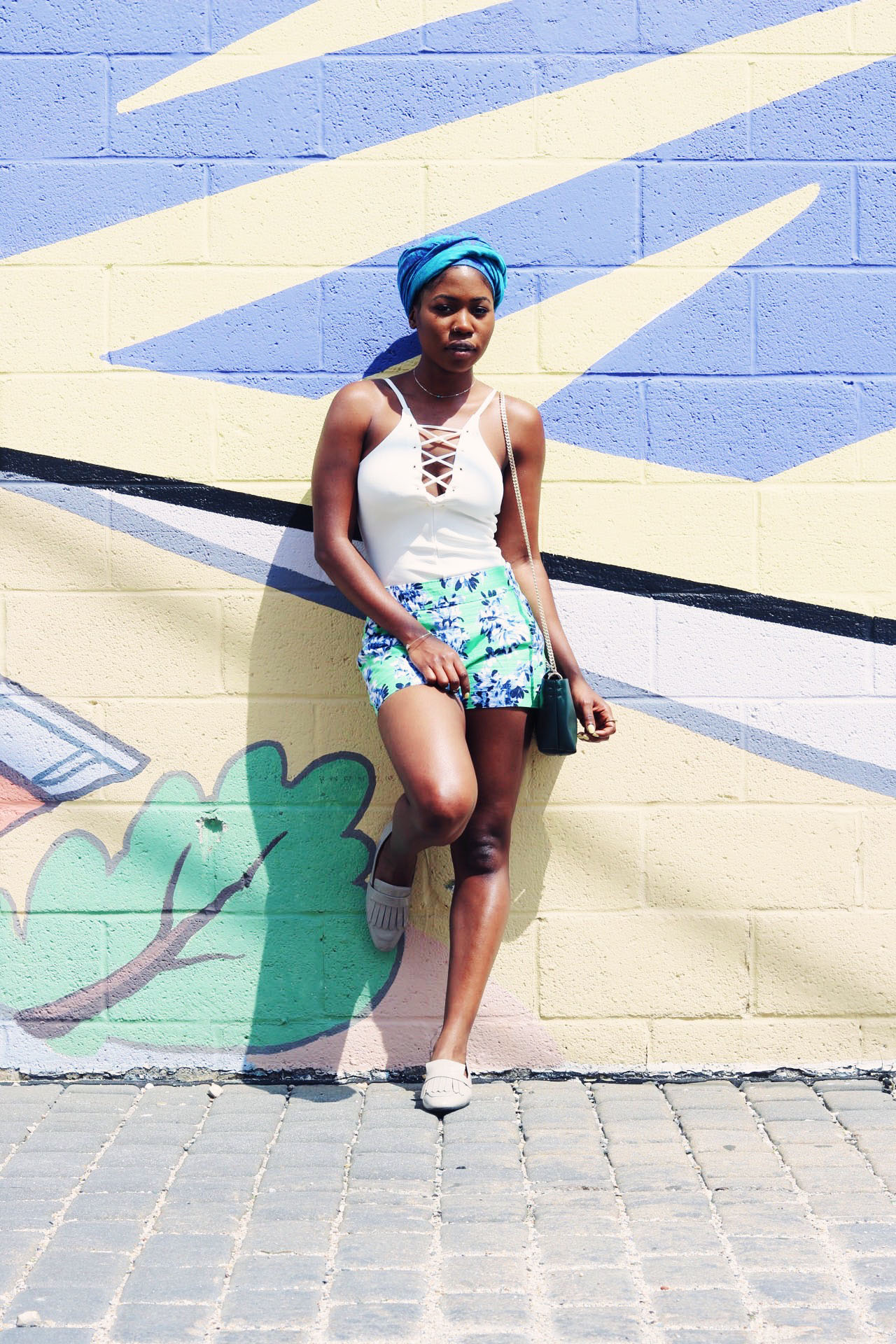 style-synopsis-simple-spring-florals-bodysuit-outfit