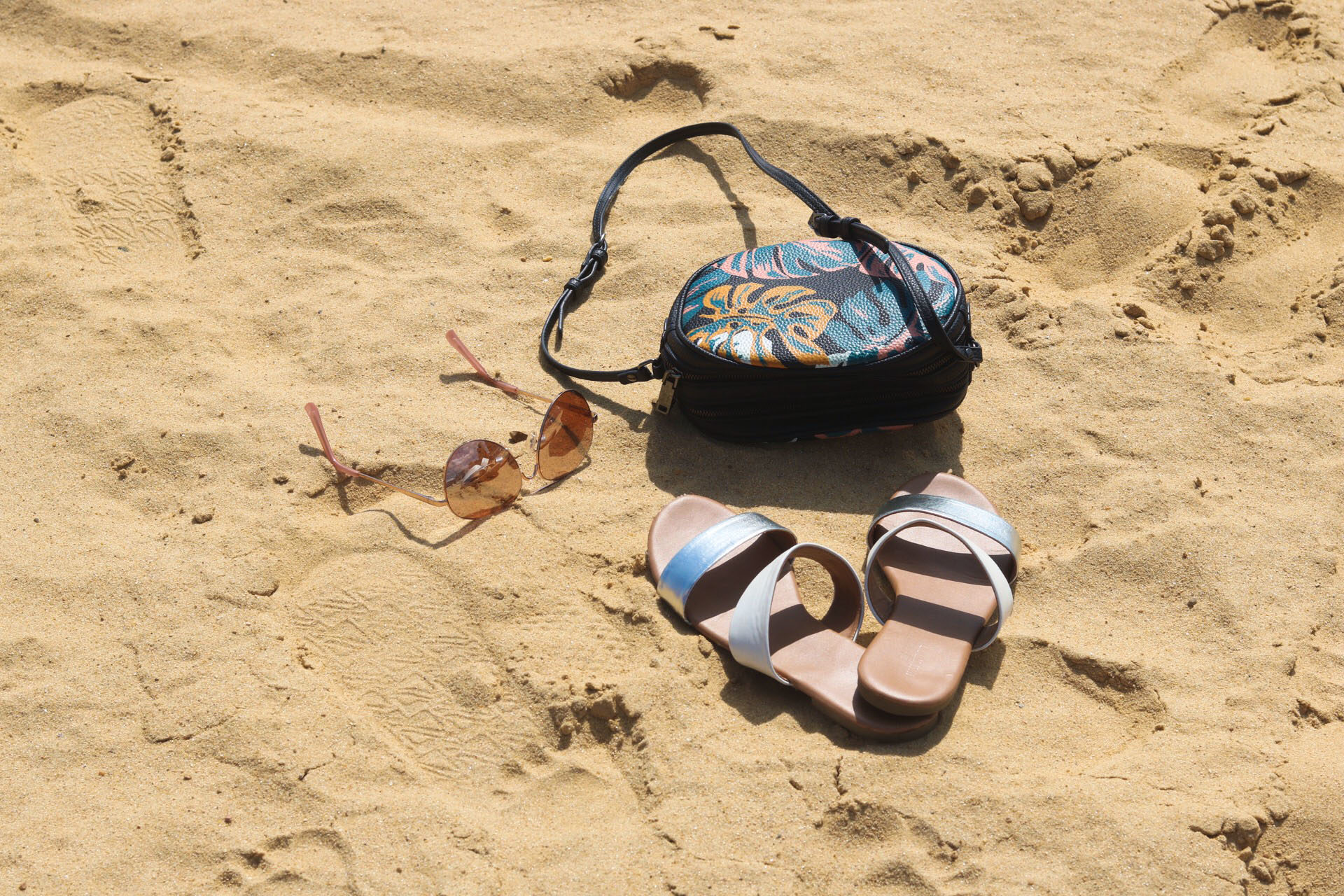 style-synopsis-beach-essentials