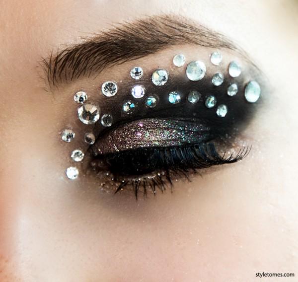 Euphoria crystal eye runway makeup DIY