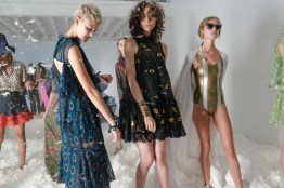 What does a blogger at fashion week do? The complete anatomy of a blogger's day broken down! Here's a scene from the day while attending the Cynthia Rowley presentation.