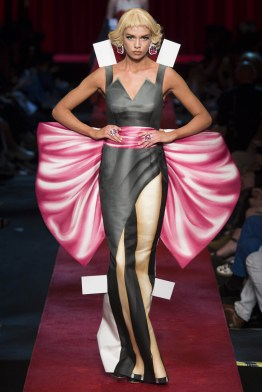 moschino-2017-fashion-trends-milan-fashion-week