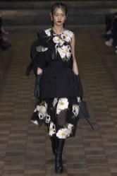Simone Rocha London Spring 2017 Trends // Photo via Vogue.com
