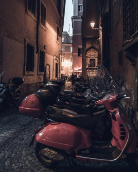 Update on Life and Its Photo Ops: Rome streets at night