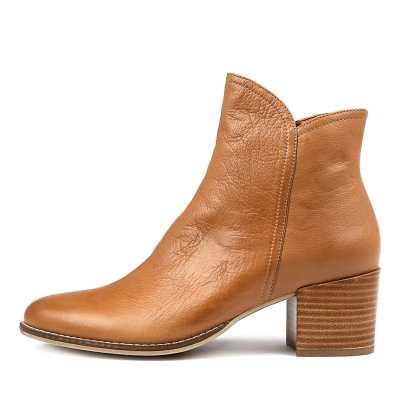 Django & Juliette Mockas Dk Tan Boots