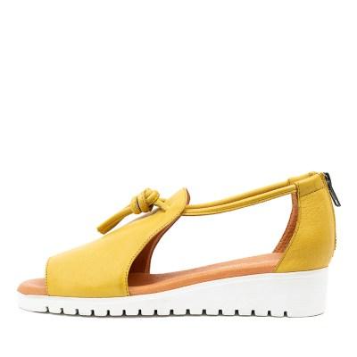 Django & Juliette Melvin Lt Yellow White Sole Sandals