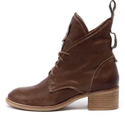 Silent D Balas Cognac Boots