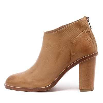 Silent D Digby Tan Boots