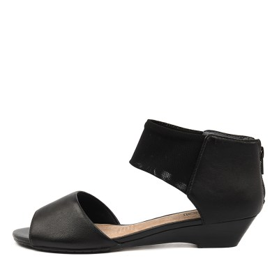Supersoft Bernie Su Black Sandals
