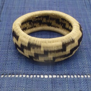 Werregue Palm Bangle Bracelet (Black/White)